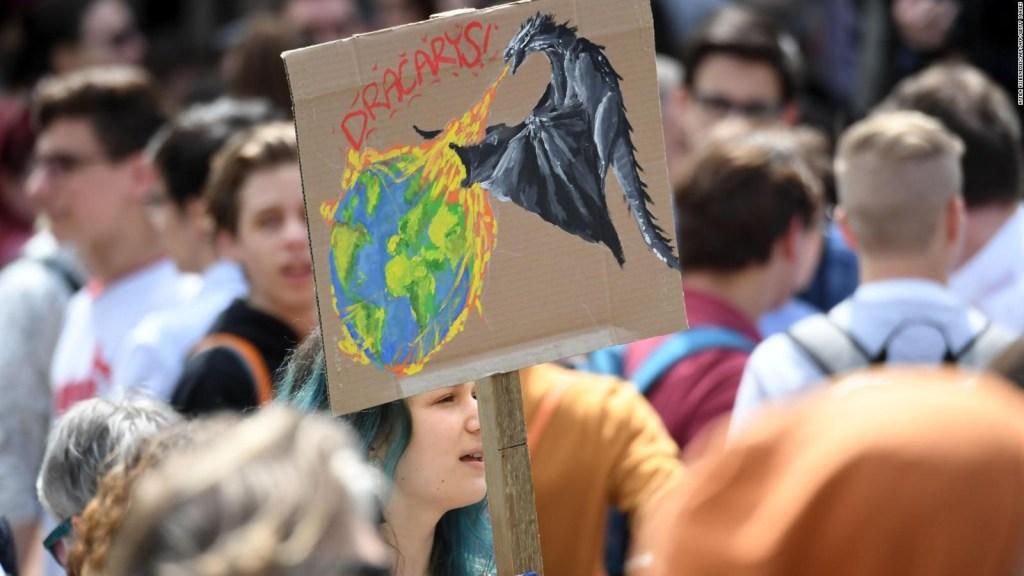 Estudiantes del mundo protestan contra el cambio climático