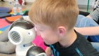 Elías, un robot políglota que lee emociones