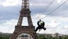 Instalan una tirolesa en la Torre Eiffel