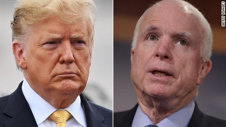 """Trump insiste: """"No soy admirador de John McCain"""""""