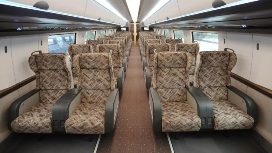 China revela prototipo de tren 'maglev' que va a 600 km/h | CNN
