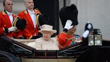 Viajes de la familia real británica aumentan emisiones de carbono