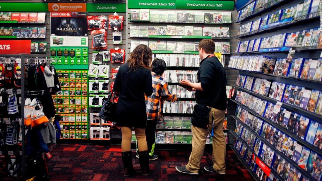 GameStop: acción se desploma más del 35%
