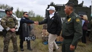 Donald Trump, Frontera, Crisis fronteriza