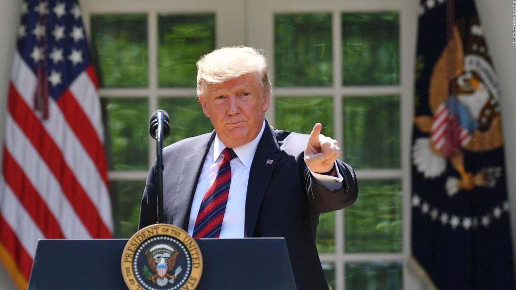 """Analistas políticos coinciden en que  """"Trump está distrayendo la política interior"""""""