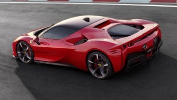 Ferrari presenta su SF90 Stradale