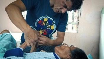 Manos voluntarias que alivian los dolores físicos y del alma