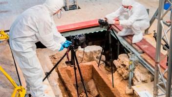 Arqueólogos analizan un sarcófago de 1.000 años