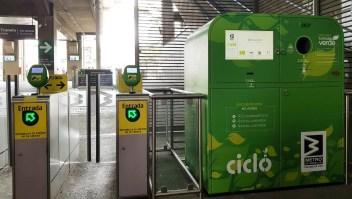 Botellas plásticas por recargas de Metro en Medellín