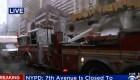 Se estrella helicóptero contra edificio en Manhattan