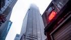 Nueva York: Pánico al impactar helicóptero contra edificio en pleno Manhattan.