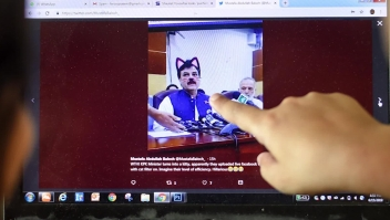 """Una conferencia de prensa """"felina"""" en Pakistán"""