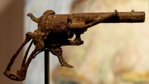 Subastan arma con la que se habría suicidado Van Gogh