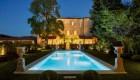 Con Airbnb Luxe, puedes quedarte en castillos o casas de famosos