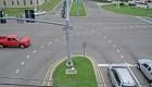 Conductor perseguido salta de auto a toda velocidad