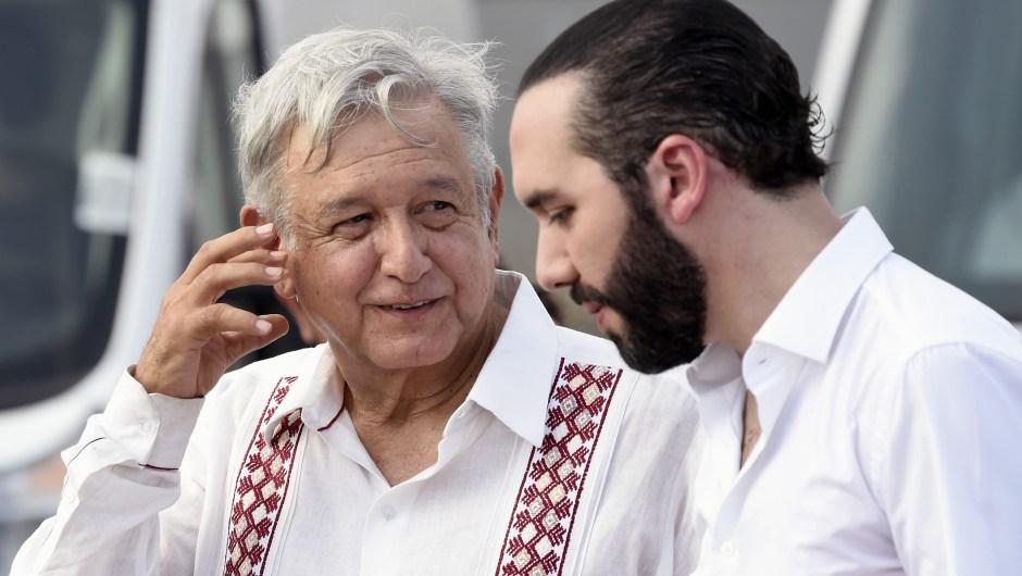 El presidente mexicano Andrés Manuel López Obrador (izq.) y su homólogo salvadoreño Nayib Bukele en Tapachula, estado de Chiapas, México, el 20 de junio de 2019. Crédito: ALFREDO ESTRELLA / AFP / Getty Images.