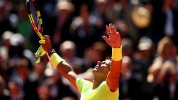 PARIS, FRANCE - JUNE 07: Rafael Nadal of Spain celebrates victory during his mens singles semi-final match against Roger Federer of Switzerland during Day thirteen of the 2019 French Open at Roland Garros on June 07, 2019 in Paris, France. (Photo by Clive Brunskill/Getty Images)