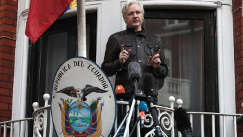 Exclusivo: El comando central de Julian Assange para el caos