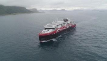 EL primer crucero operado parcialmente con baterías listo para zarpar