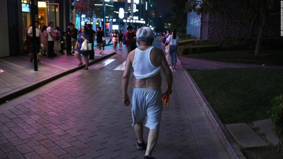 Bikini Beijing hombres topless