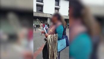 Prohiben la venta de un látigo para castigar a los niños en Bolivia