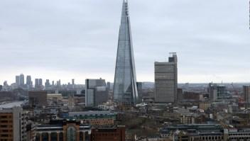 Un hombre escaló sin protección este rascacielos