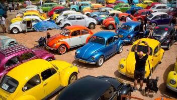 """Volkswagen jubila al """"escarabajo"""""""