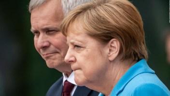 Merkel tiembla en público por tercera vez
