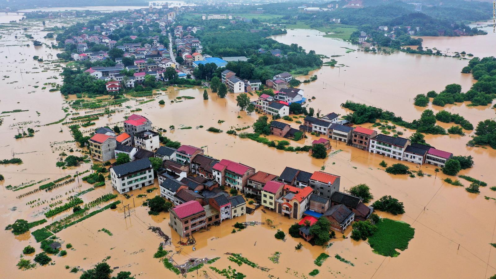 Cientos de miles de evacuados en China debido a las inundaciones   Video    CNN