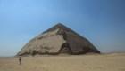 Egipto abre las puertas de pirámide doblada