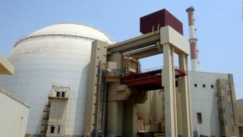 Irán está a un año de desarrollar una bomba atómica