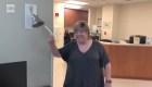 Rompió una campana por la emoción de haber vencido al cáncer