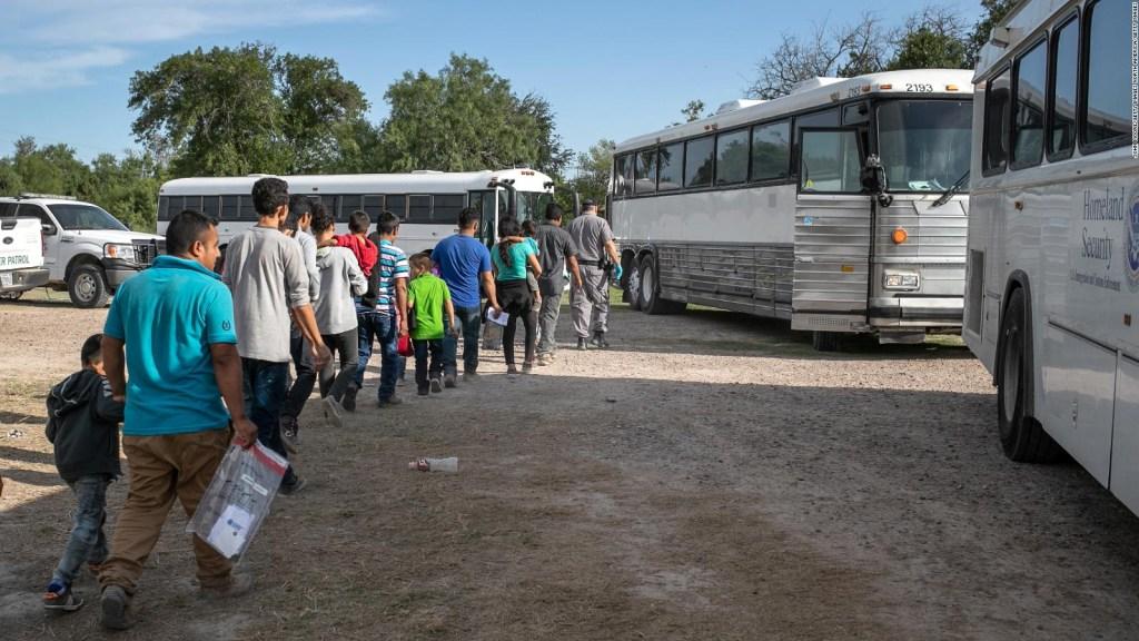 Inmigrantes indocumentados: Trump pide acelerar las deportaciones
