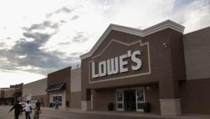 La disculpa de un ejecutivo de Lowe's