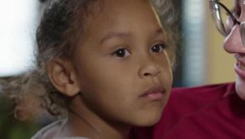 Niña que perdió a sus madres en tiroteo en El Paso pregunta si le dispararán a ella también