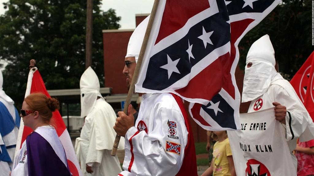 Tiroteos en EE.UU., ¿quiénes financian a los supremacistas blancos?