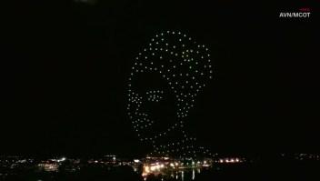 Drones celebran el cumpleaños de la reina de Tailandia