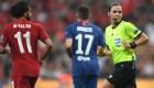 Árbitra francesa hace historia en la Supercopa de la UEFA