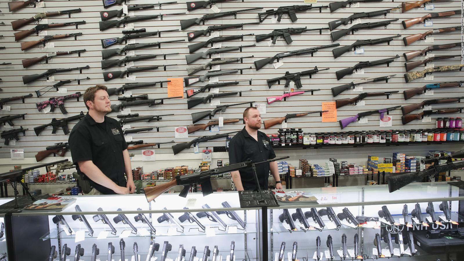 ¿El control de la venta de armas prevendría tragedias?