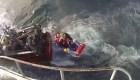Impresionante rescate de un marinero en alta mar