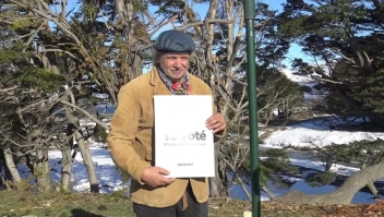 Activistas contra la salmonicultura en Argentina