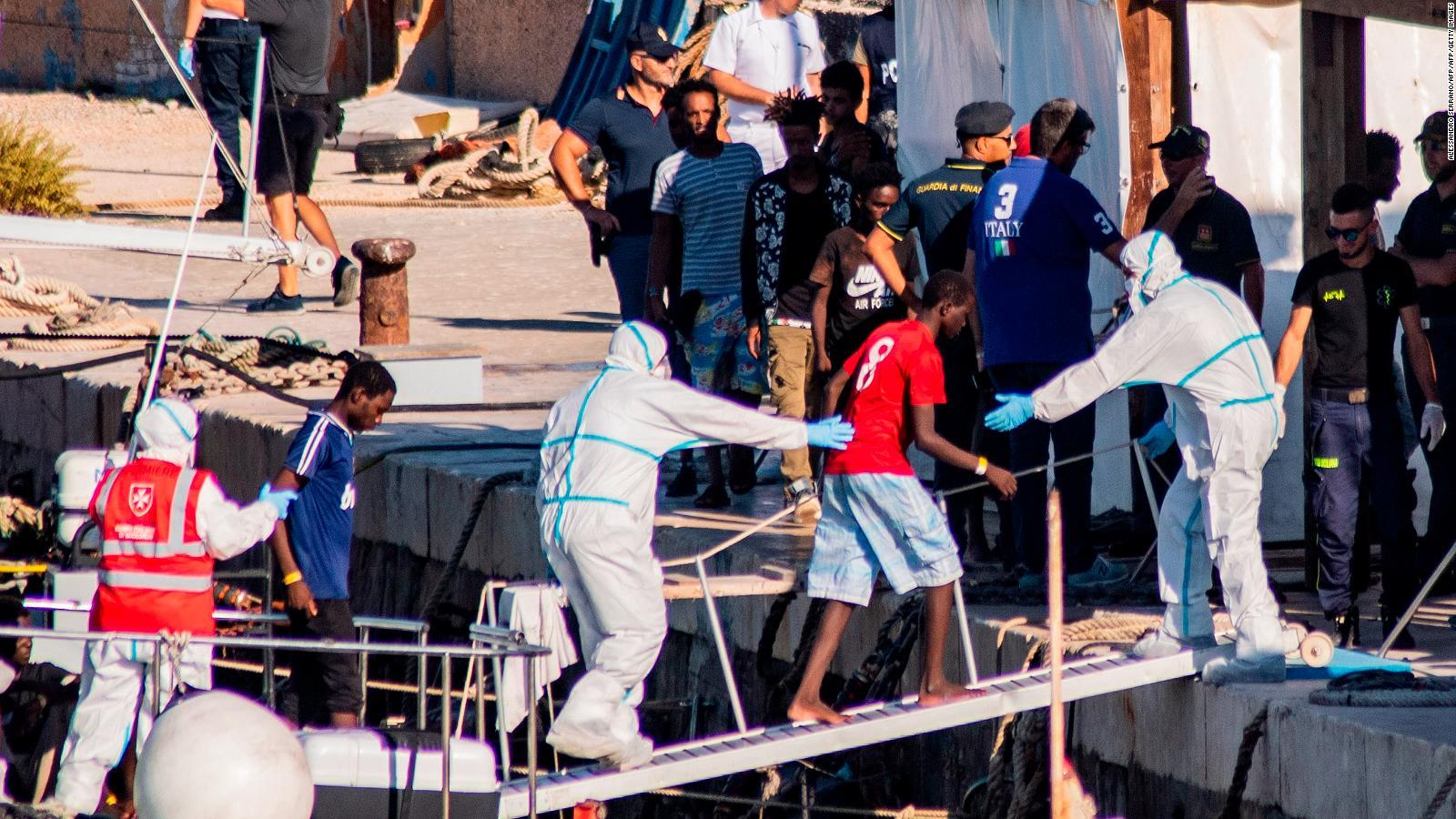 Migrantes del Open Arms fuera de control