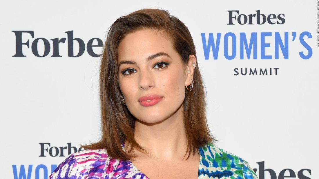 "Ashley Graham ""desnuda"" su embarazo"