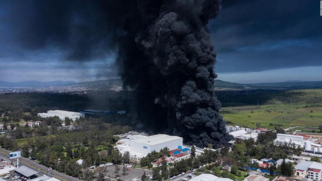 Impresionante incendio en Morelia visto desde el aire