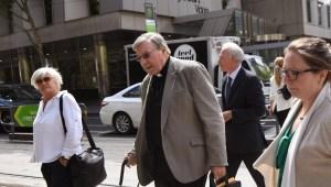 Vaticano sigue de cerca proceso contra cardenal