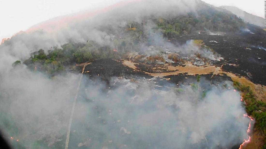 """Macron dice que incendios en el Amazonas son una """"crisis internacional"""""""