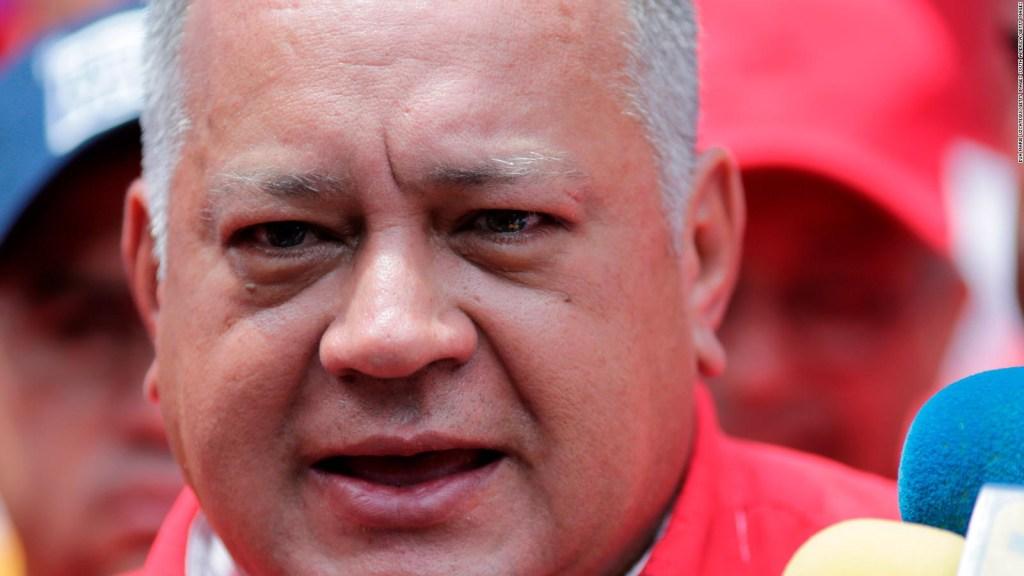 """Maduro tilda de """"imbéciles"""" a los que dudan de voz de Diosdado Cabello en enlace telefónico."""