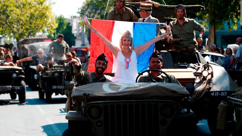 Desfile para celebrar la liberación del yugo nazi