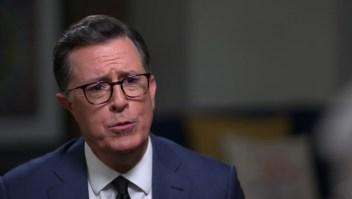 Stephen Colbert en entrevista con Anderson Cooper.