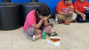Redadas deportación niños en primer día de escuela llorando